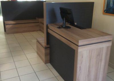 agencement-bureaux-borne-accueil-400x284