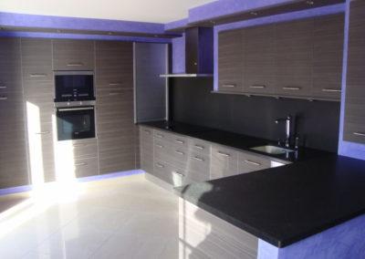 cuisine-aurelia-stratifié-plan-granit-noir-400x284