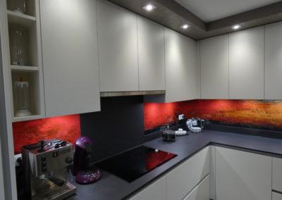 cuisine-moderne-crédence-verre-de-synthèse-boishardy-400x284