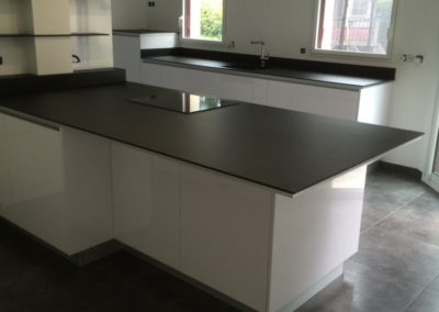 cuisine-noir-blanc-moderne-400x284